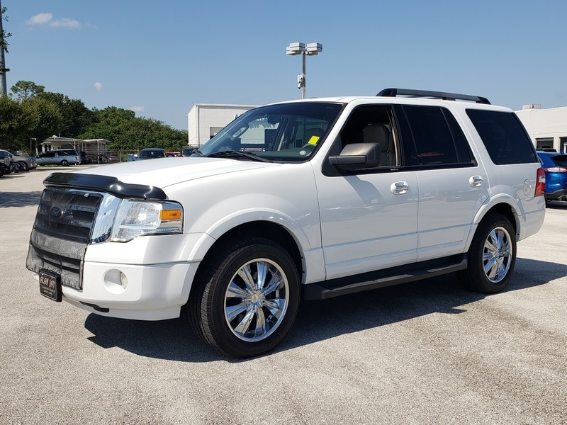 Pre-Owned 2010 FORD EXPEDITION 2WD 4DR XLT